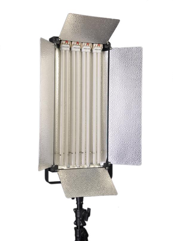 Флуоресцентно коригирано осветление 220W