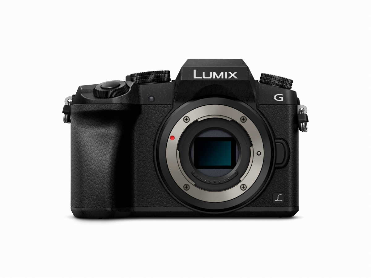 Фотокамера Panasonic Lumix DMC-G7 (тяло)